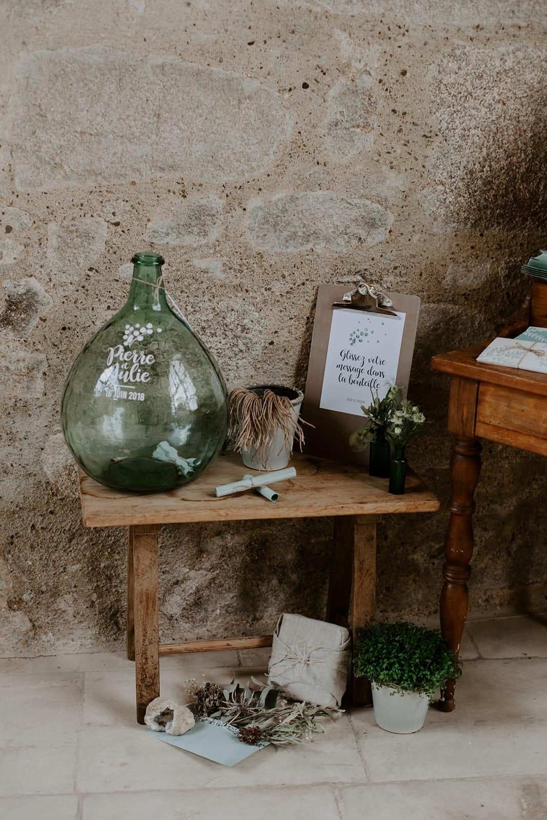 mariage_chateau_la_flocelliere_vendee_flavie_nelly_photographe-126-obonheurdesdames-decoration-mariage-location-vegetal