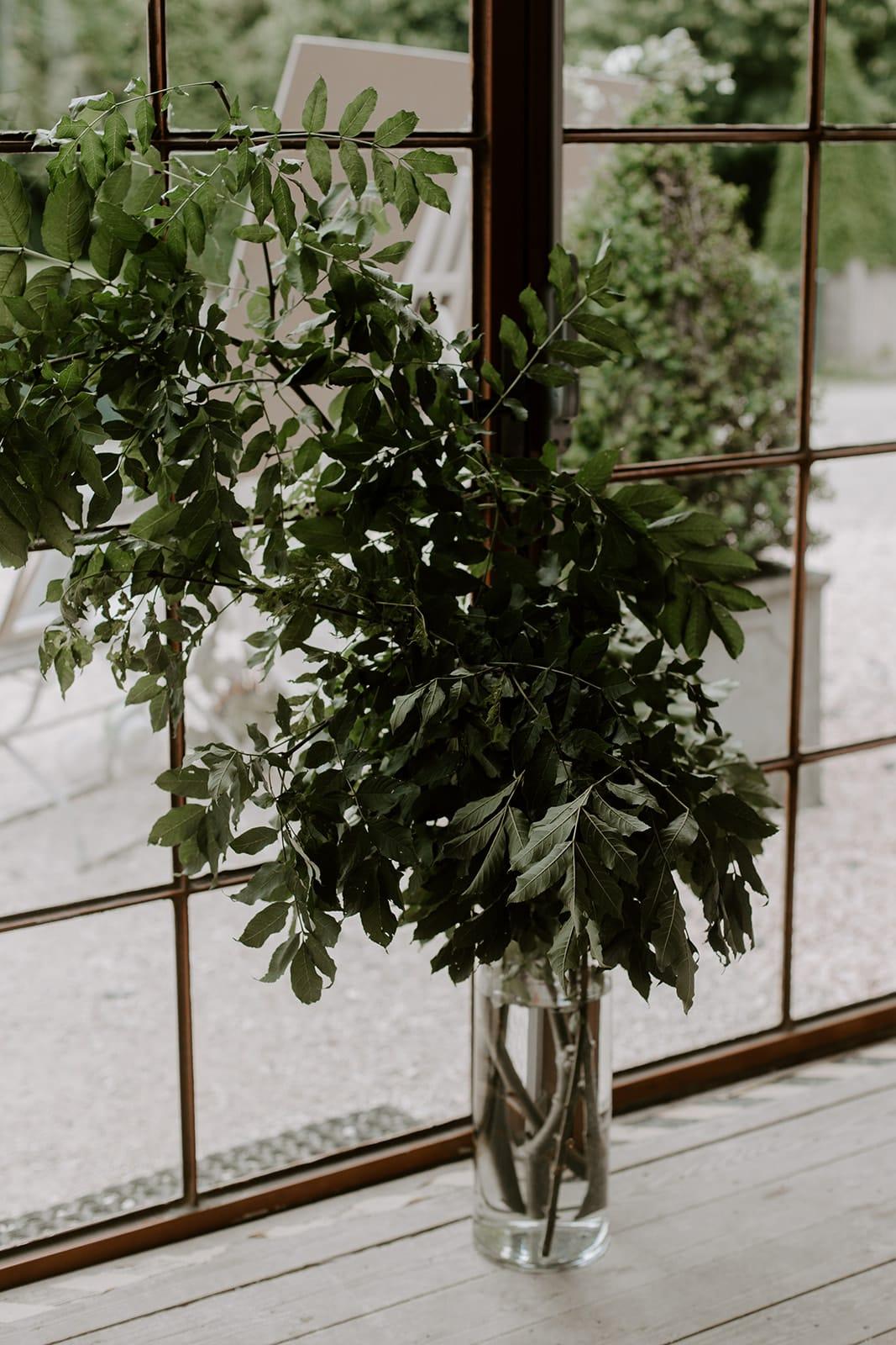 mariage_chateau_la_flocelliere_vendee_flavie_nelly_photographe-16-obonheurdesdames-decoration-mariage-location-vegetal