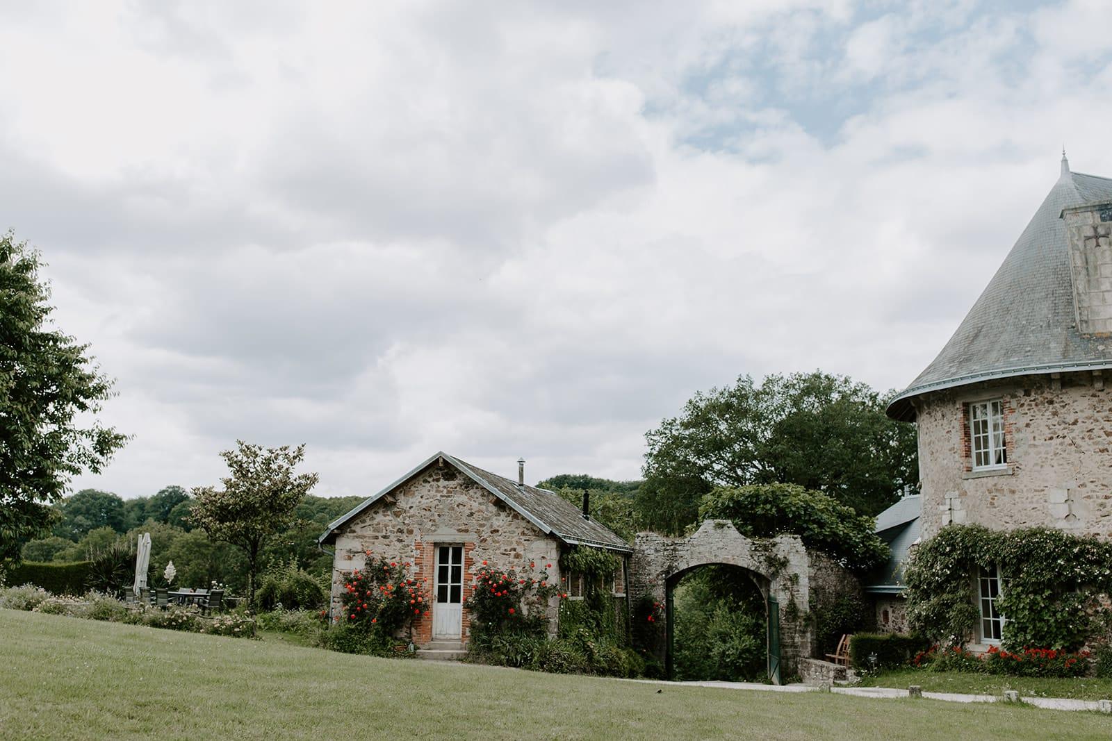 mariage_chateau_la_flocelliere_vendee_flavie_nelly_photographe-167-obonheurdesdames-decoration-mariage-location-vegetal