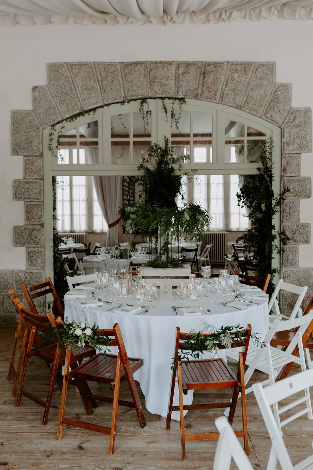 mariage_chateau_la_flocelliere_vendee_flavie_nelly_photographe-22-obonheurdesdames-decoration-mariage-location-vegetal