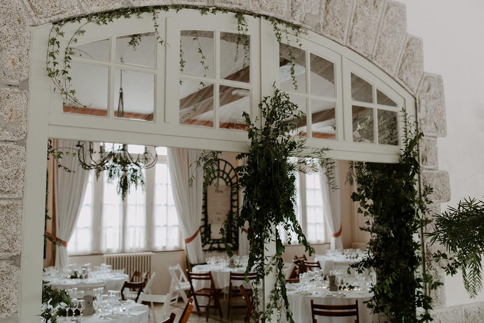 mariage_chateau_la_flocelliere_vendee_flavie_nelly_photographe-23-obonheurdesdames-decoration-mariage-location-vegetal