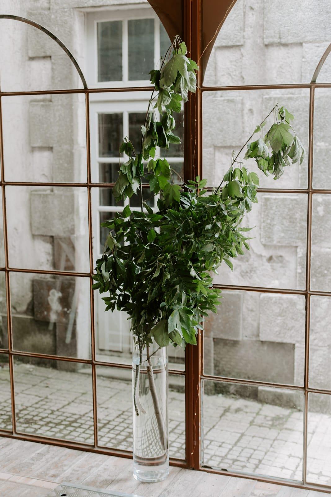 mariage_chateau_la_flocelliere_vendee_flavie_nelly_photographe-25-obonheurdesdames-decoration-mariage-location-vegetal