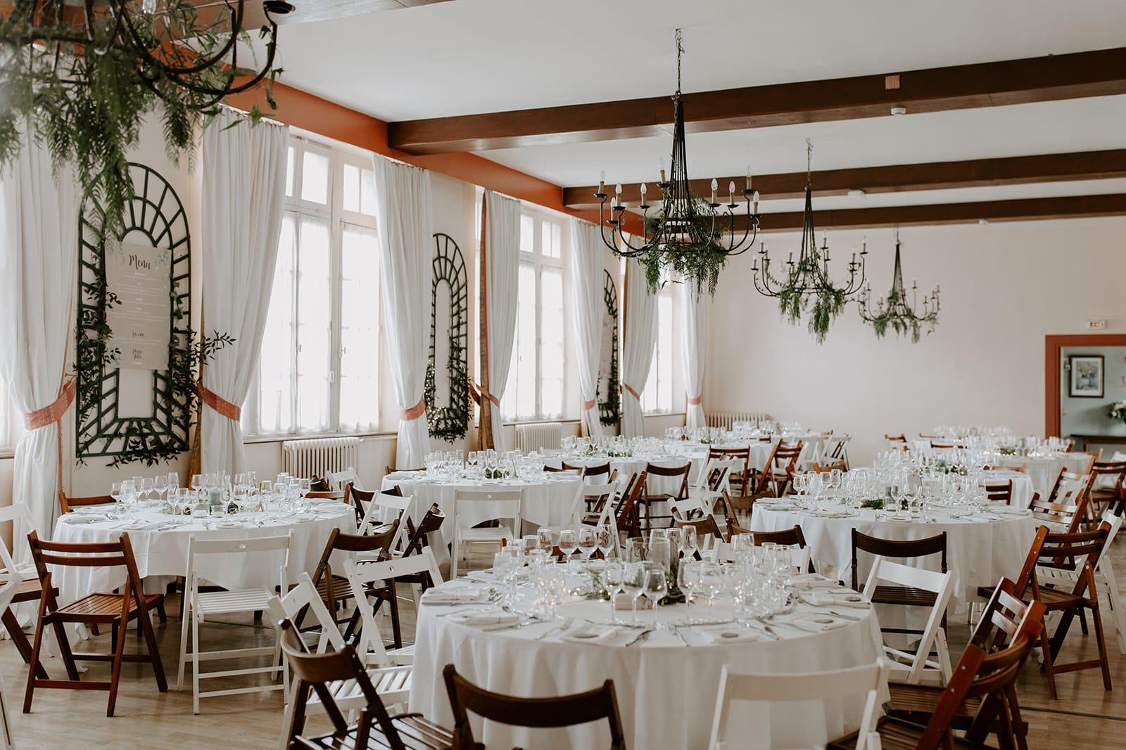 mariage_chateau_la_flocelliere_vendee_flavie_nelly_photographe-4-obonheurdesdames-decoration-mariage-location-vegetal