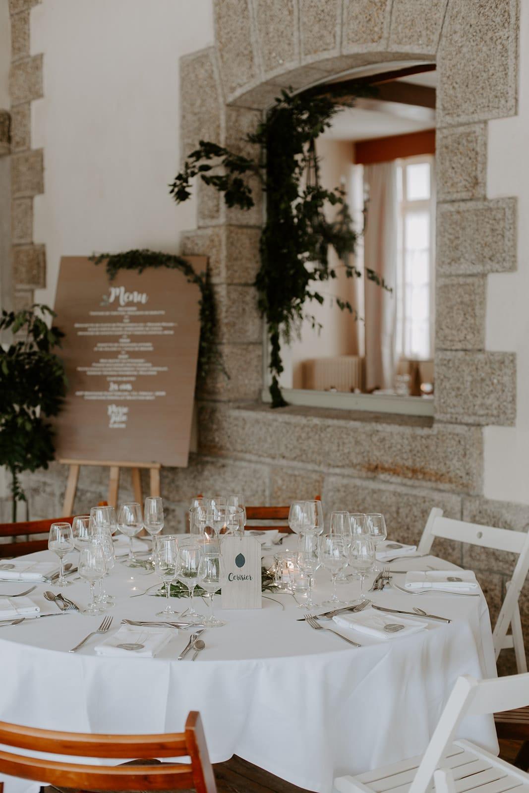 mariage_chateau_la_flocelliere_vendee_flavie_nelly_photographe-61-obonheurdesdames-decoration-mariage-location-vegetal