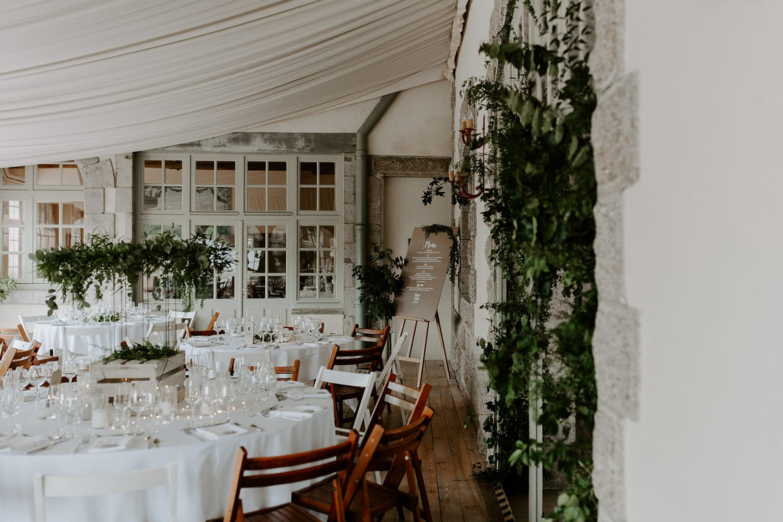 mariage_chateau_la_flocelliere_vendee_flavie_nelly_photographe-8-obonheurdesdames-decoration-mariage-location-vegetal