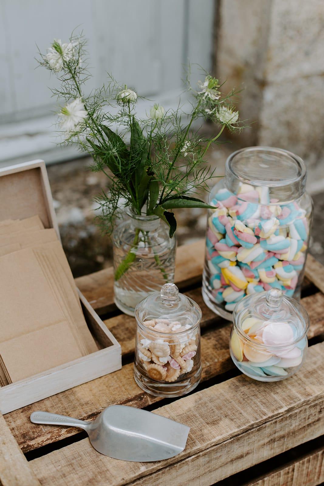 mariage_chateau_la_flocelliere_vendee_flavie_nelly_photographe-92-obonheurdesdames-decoration-mariage-location-vegetal
